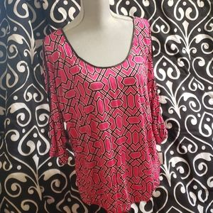 Geomatric pink and black top